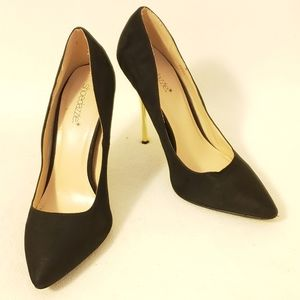 Shoe Dazzle Black and Gold Pointed Toe Heels